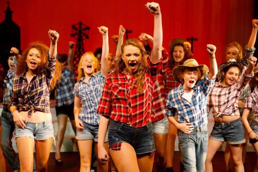 The Biz Theatre School Footloose 2012 - Compressed